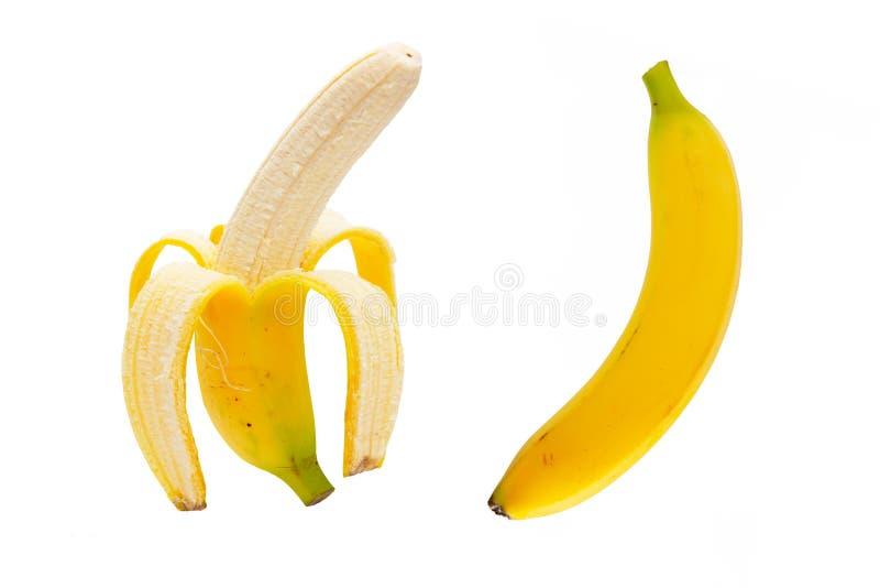deux ont épluché des bananes d'isolement sur le blanc images stock