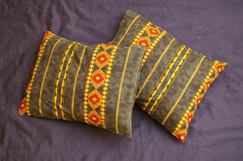 Deux oreillers de ci-avant photographie stock