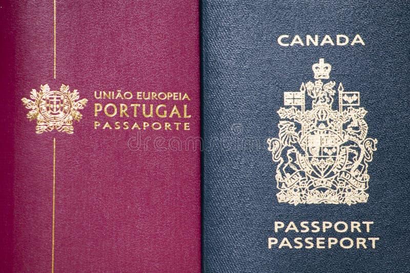 Deux passeports images stock