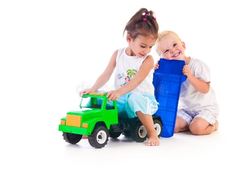 Deux petits enfants photo stock