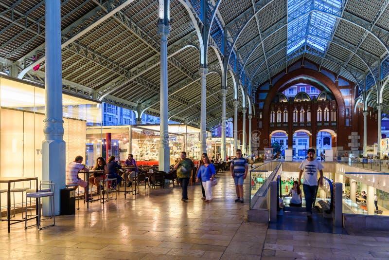 Download Deux Points De Mercado à Valence Photo éditorial - Image du inside, arcade: 76077581