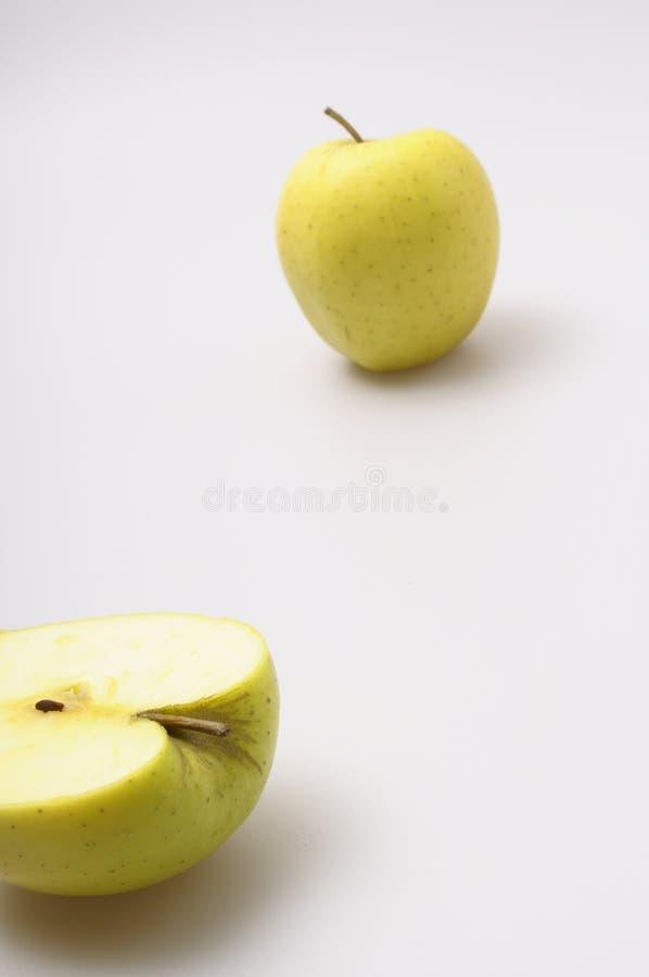 Deux pommes d'or photo libre de droits