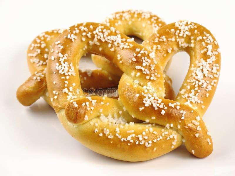 Deux pretzels mous image stock