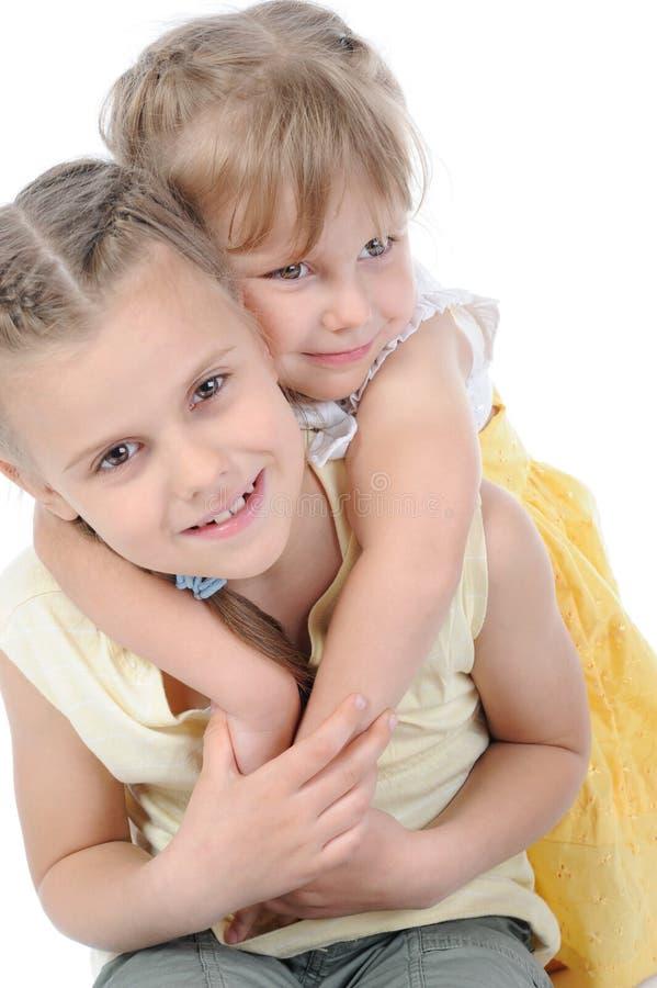 Deux soeurs heureuses. image libre de droits