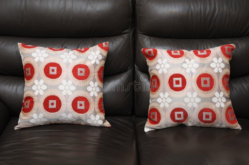 Deux Sofa Pillow Cushions photo stock