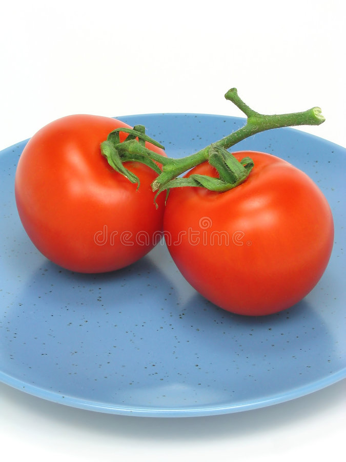 Download Deux tomates rouges photo stock. Image du tomate, mûr, sain - 740946