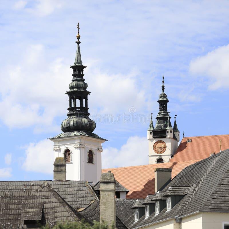 Deux tours d'église, Krems, Basse Autriche photographie stock libre de droits