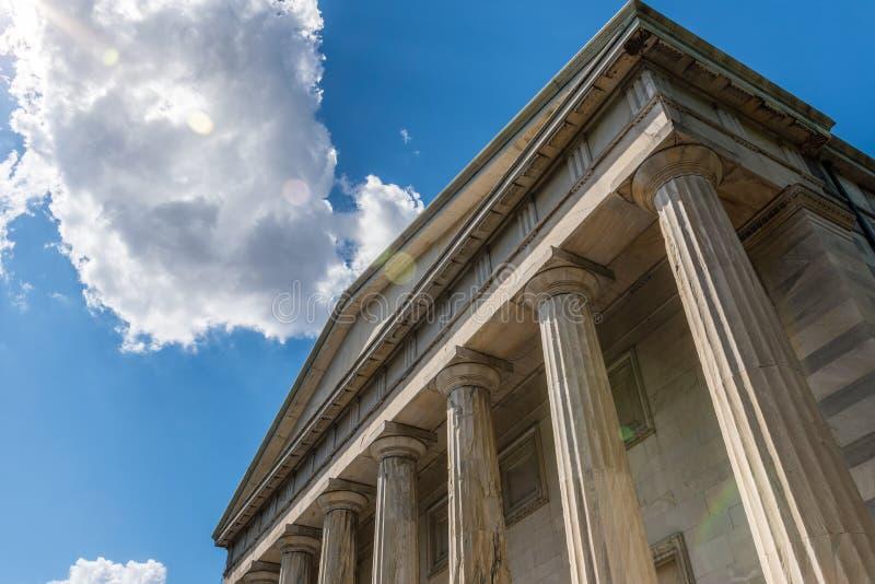 Deuxième banque des colonnes ioniennes des Etats-Unis image libre de droits