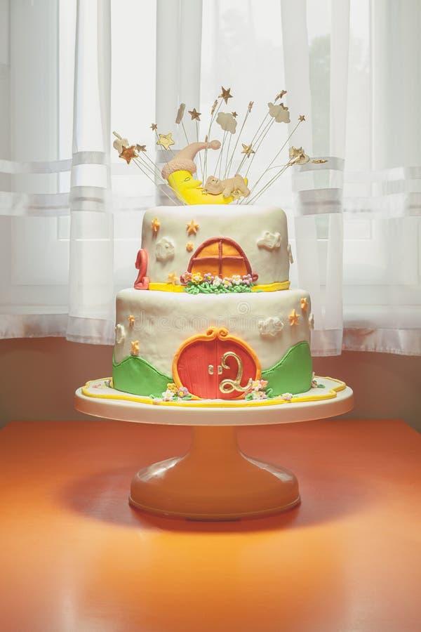 Deuxième gâteau d'anniversaire photos libres de droits