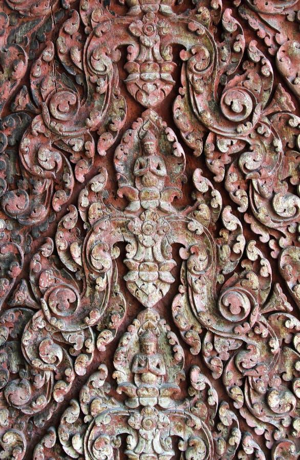 Deva rzeźbił na drewnie obrazy royalty free