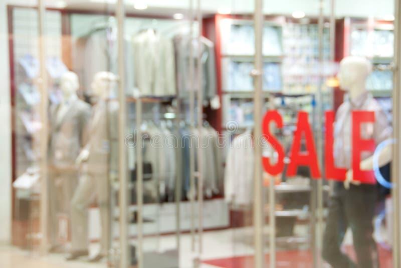 Devanture de magasin du système du vêtement des hommes photo stock