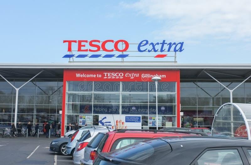 Devanture de magasin supplémentaire de Tesco photo stock