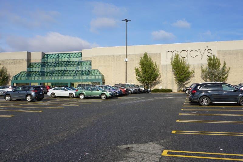 Devanture de magasin de Macy's dans le mail de DANBURY, le Connecticut images stock