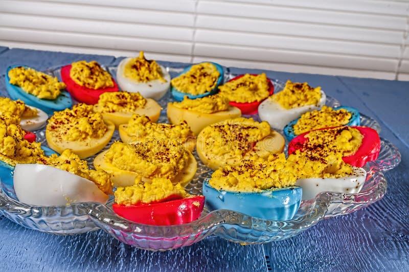 Deviled ägg, färgad påsk royaltyfria bilder