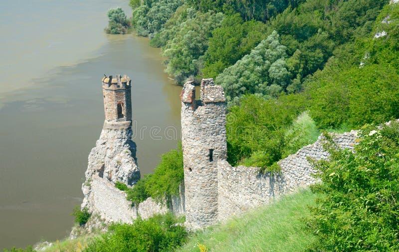 Devin Castle. Torre virginal. Bratislava, Eslovaquia foto de archivo