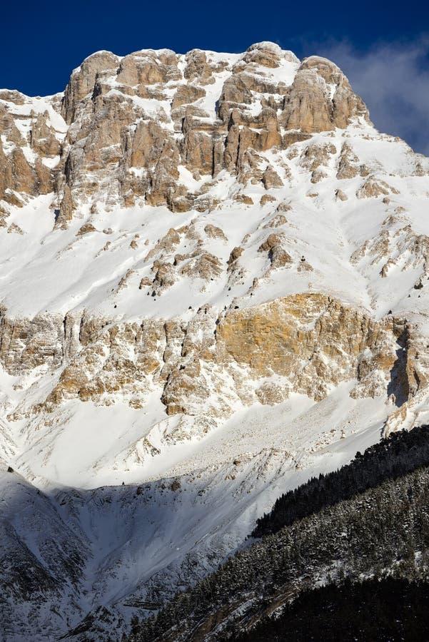 Devoluy massivbergskedja i vinter alpsfrance fransman royaltyfria bilder