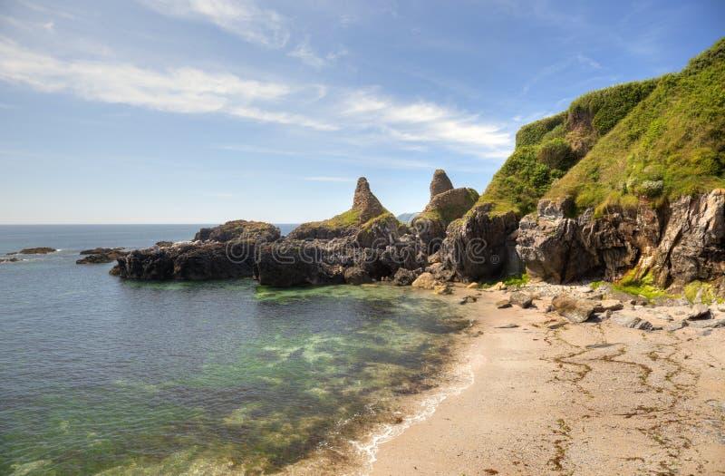 Devon-Küstenlinie im Sommer stockfotografie