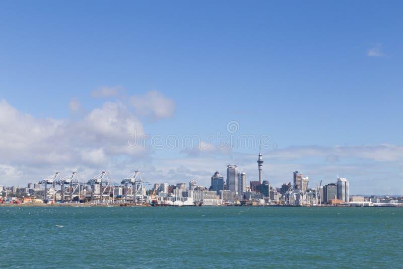 从Devonport看的奥克兰地平线 免版税图库摄影