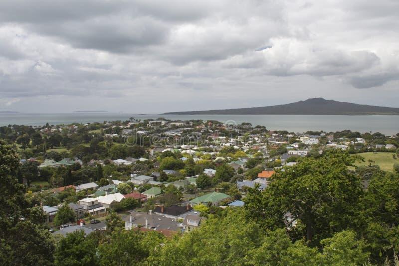 Devonport en Rangitoto-Eiland, Auckland, Nieuw Zeeland stock foto