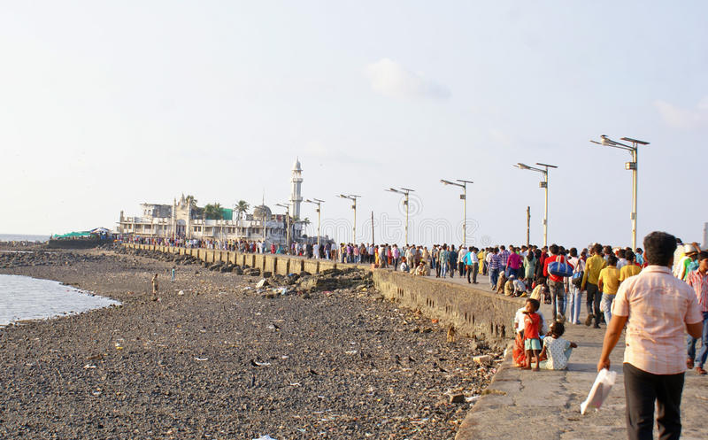 Download Devotees And Tourists On Way To Haji Ali Mosque Editorial Image - Image: 21445190