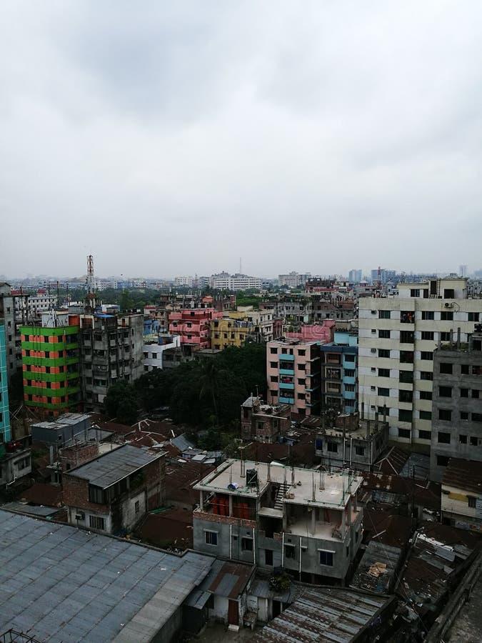 Dhaka-Stadt zusammen mit Wolke lizenzfreies stockfoto
