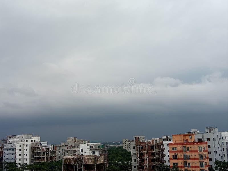 Dhaka-Stadtwolkenhimmel stockfoto