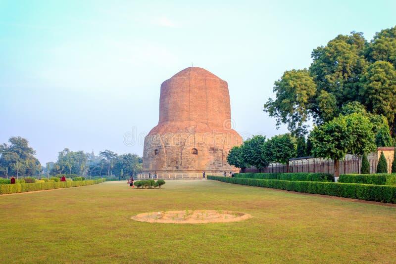 Dhamek Stupa image stock