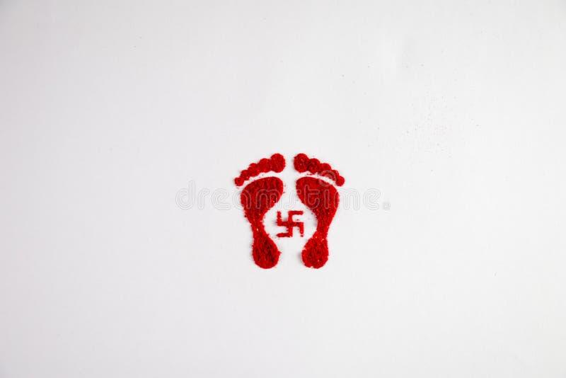 Dhanteras Предпосылка торжества фестиваля Dhanteras Diwali индейца Счастливые dhanteras След ноги Maa Lakshmi стоковое изображение