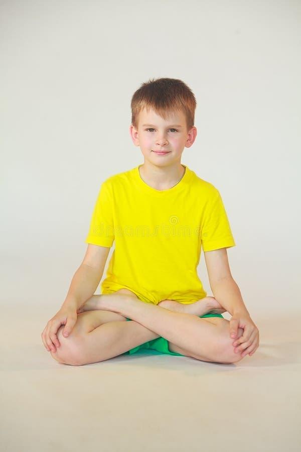 Dhanurasana-Yoga stockfoto