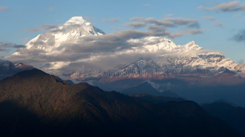 Dhaulagiri - Nepal fotografering för bildbyråer