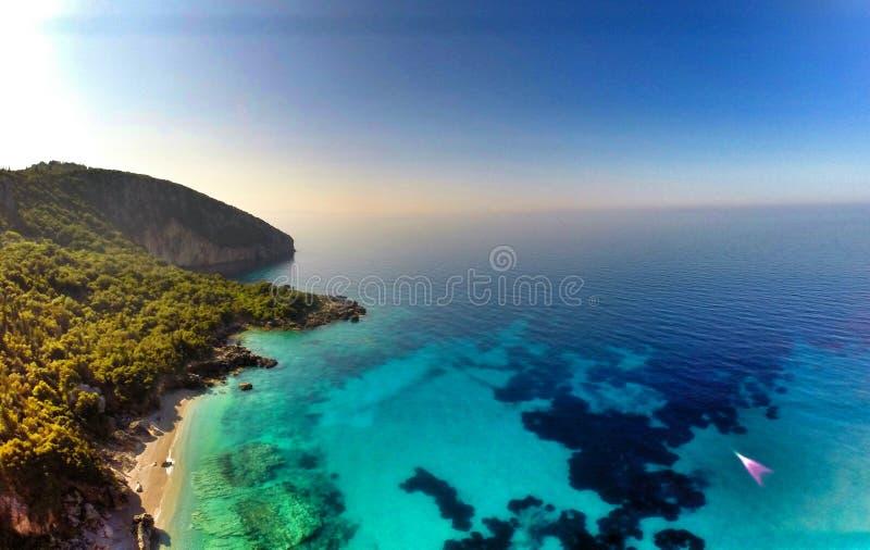 Dhermiu strand - södra Albanien royaltyfria bilder