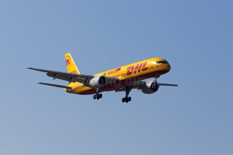 DHL 757 med special teckning royaltyfri foto