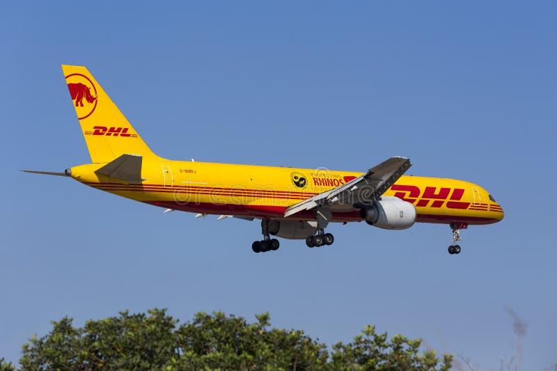 DHL 757 med special teckning royaltyfri bild