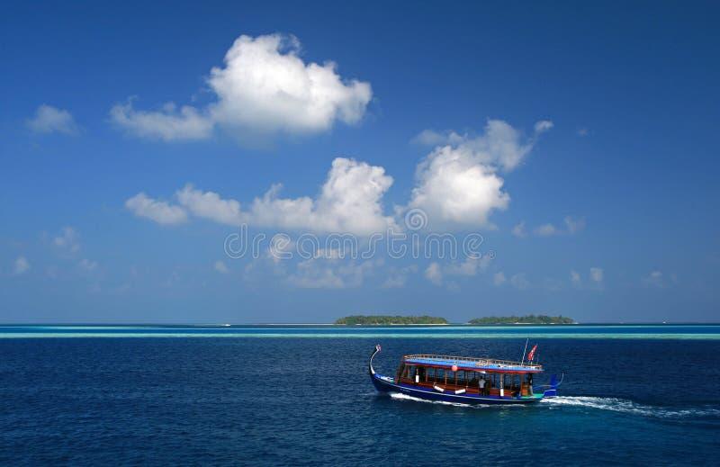 Dhoni - bateau maldivien traditionnel photos libres de droits