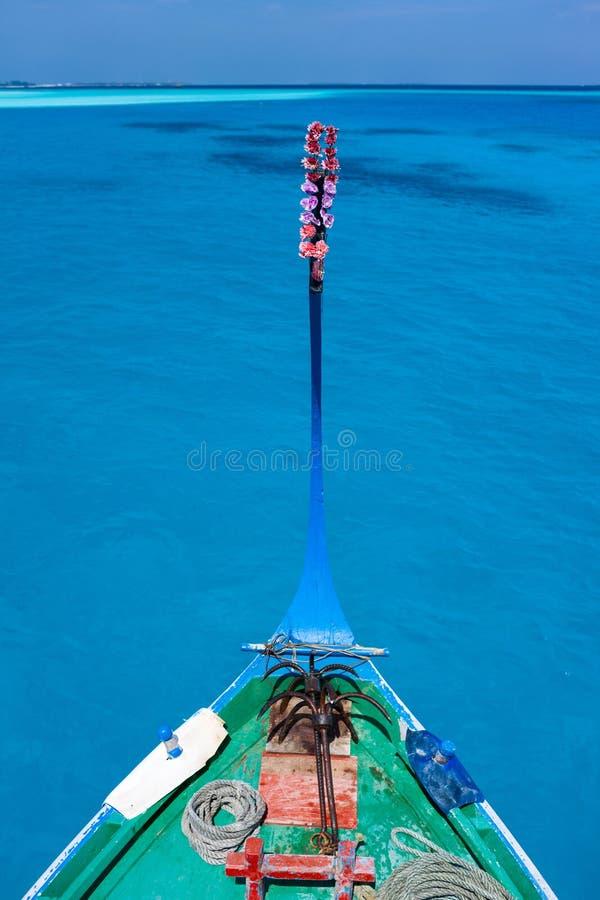 Dhoni maldivien traditionnel de bateau images stock