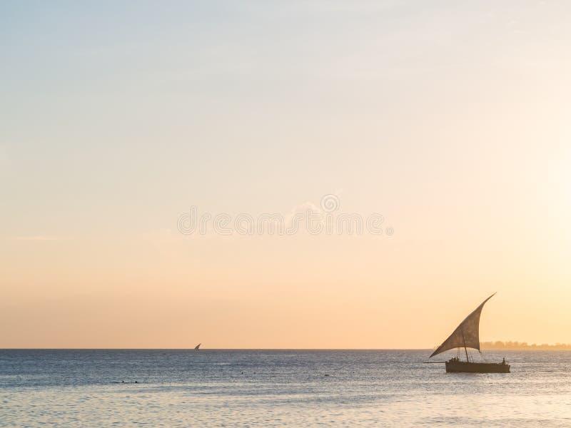 Dhow łódź zamknięta na Zanzibar obraz royalty free