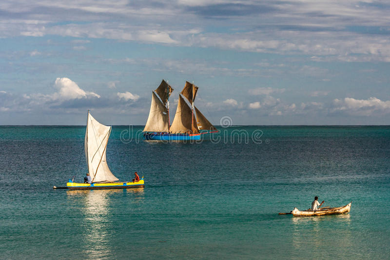 Dhow e esconderijos subterrâneos malgaxes imagem de stock