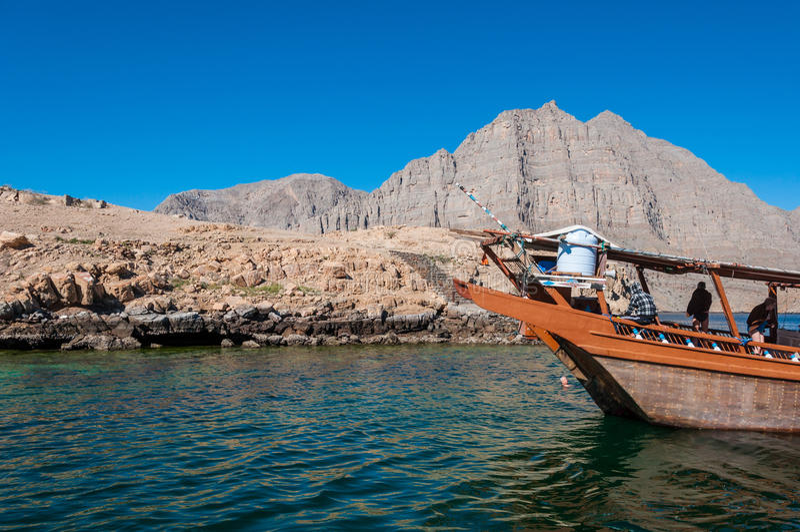 Dhow i Musandam, golf av Oman fotografering för bildbyråer
