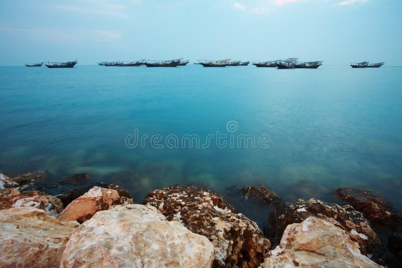 Dhows ad alba fotografia stock libera da diritti