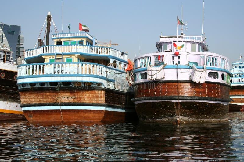Dhows en Dubai Creek fotografía de archivo libre de regalías