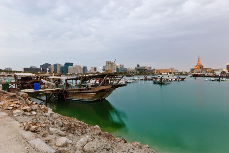 Dhows nella baia di Doha fotografia stock