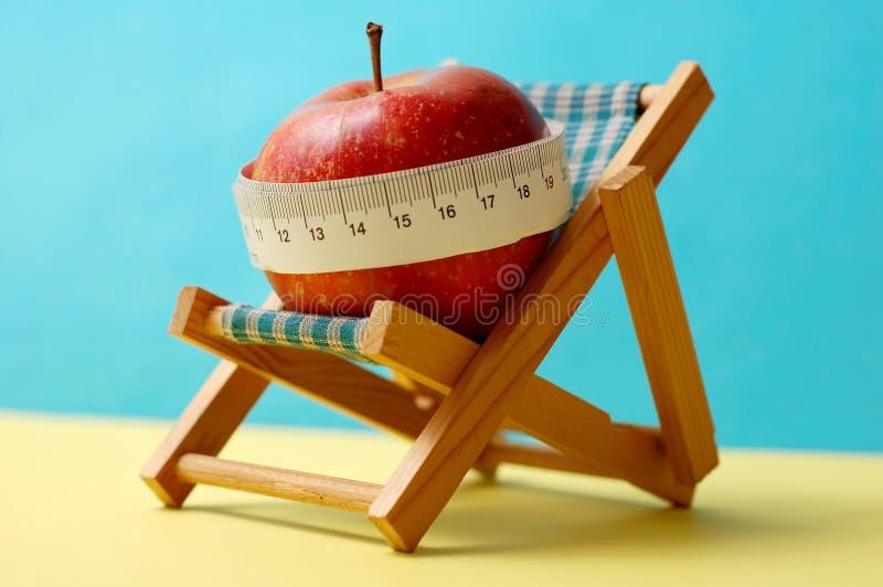 Diät während der Feiertage lizenzfreie stockfotografie