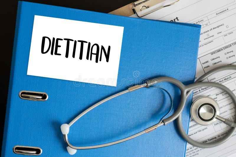 DIÄTETIKER- und Ernährungswissenschaftlerdoktor oder Diätetiker und Diätetiker Pro stockbild