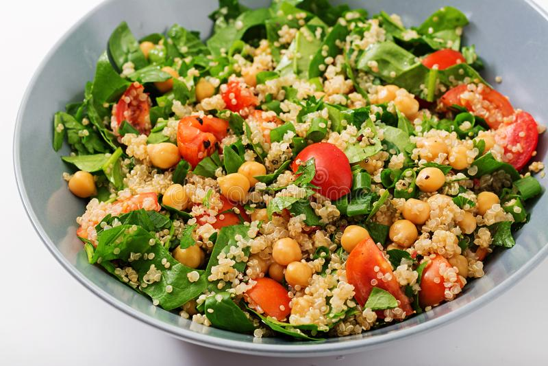 Diätetisches Menü Gesunder Salat des strengen Vegetariers des Frischgemüses stockfotografie