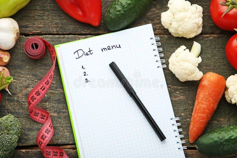 Diätmenü mit Gemüse lizenzfreie stockfotografie