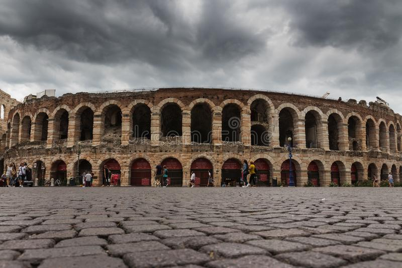 Di Верона арены, бюстгальтер аркады, Верона, Италия стоковая фотография rf