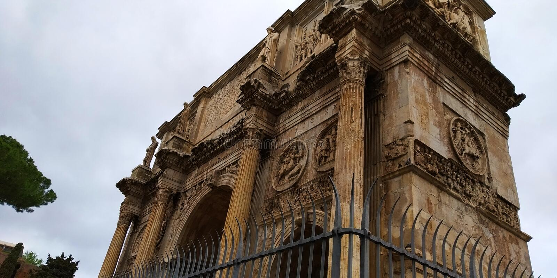 Di Constantino Roman Colosseum Outside, Roma, Italia dell'arco fotografia stock libera da diritti