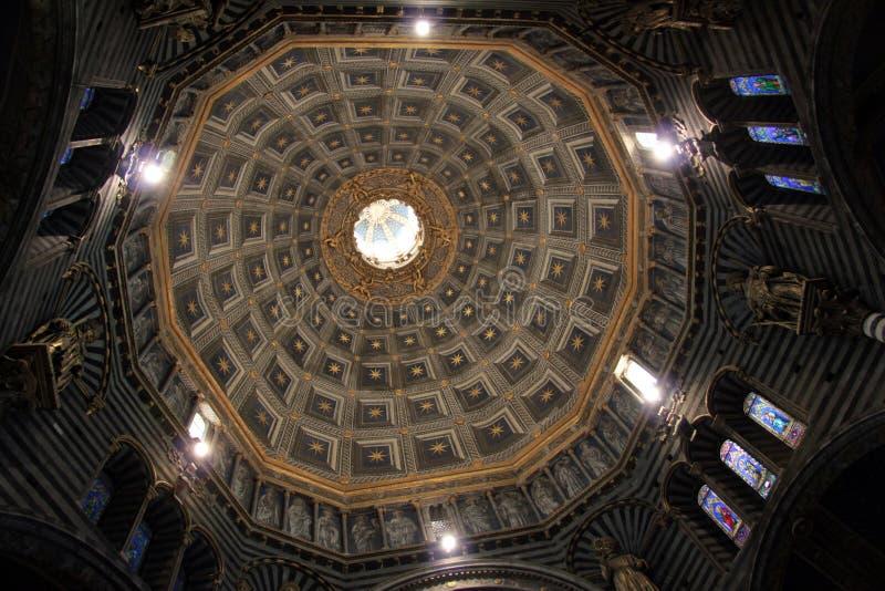 Download Di duomo interno siena 库存照片. 图片 包括有 圆屋顶, 质量, 艺术, 拱道, 内部 - 22351404