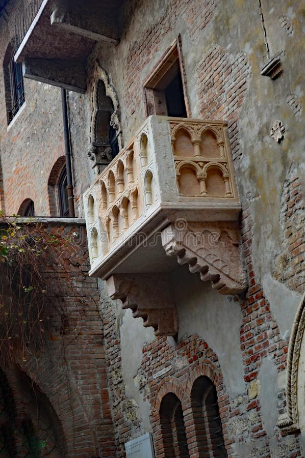 Di Giulietta Verona Italy della casa del balcone di Juliet fotografia stock libera da diritti