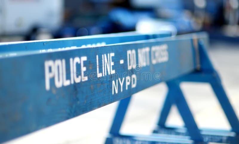 Di legno faccia la linea barriere non trasversale della polizia a New York fotografia stock libera da diritti